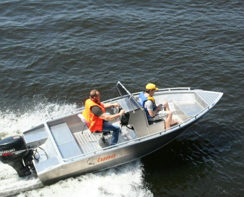 Ums 460 cc, länge 4.6 meter, breite: 1,8 meter, gewicht: ab 366 kg, marine grade aluminium 5083, stärke: 4 mm