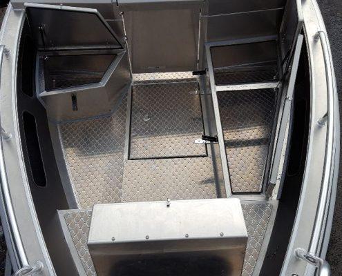 Ums 550 dc, länge 5.6 meter, breite: 2.3 meter, gewicht: 650 kg, marine grade aluminium 5083, stärke: 4